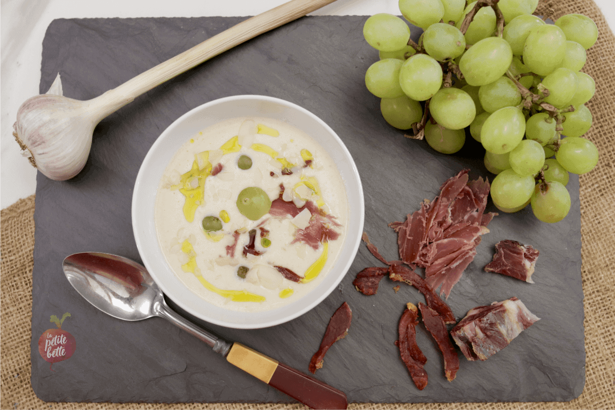 Ajo blanco, soupe froide style gaspacho blanche