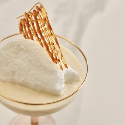meringue tendre et crème pâtissière garnis de caramel